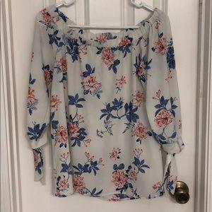 Tops - Off the shoulder floral blouse